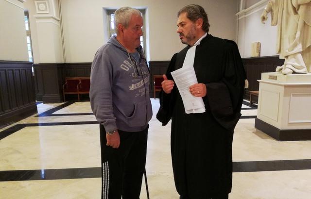 Jacques Broussal, et son avocat Pascal Nakache, ont obtenu plus de 1,2 million d'euros de dommages et intérêts contre la société Kiloutou. — B. Colin / 20 Minutes